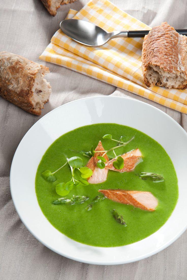 Aspargessuppe med spinat og røget laks