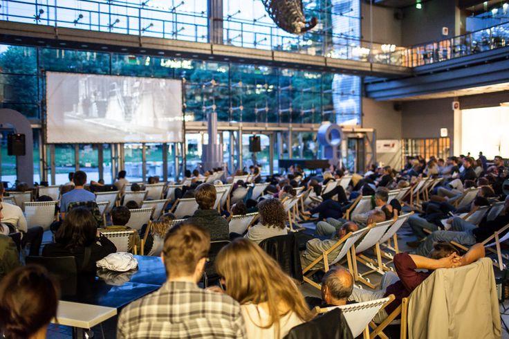 Kino na Dziedzińcu Sztuki w razie niepogody projekcie odbywają się na Szachownicy w Pasażu. Pierwszy film Rocky.  #kino #klasykakina #rocky #starybrowar #lato