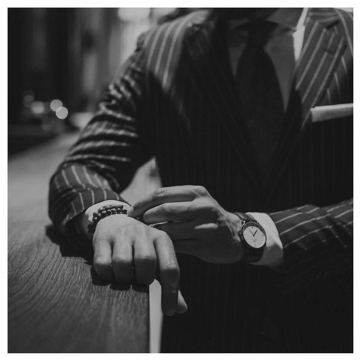 Black and white  #blackandwhitephoto #saturday #weekend #elegant #dapper #style #gentleman #suit #powersuit #details #accesories #man #blogger #fashion #menstyle #mensfashion #inspiration #photooftheday #instadaily #danielwellington