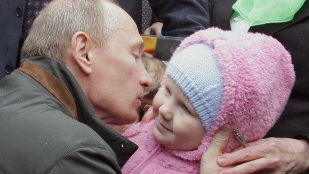 Putin Family Values - Bloomberg View