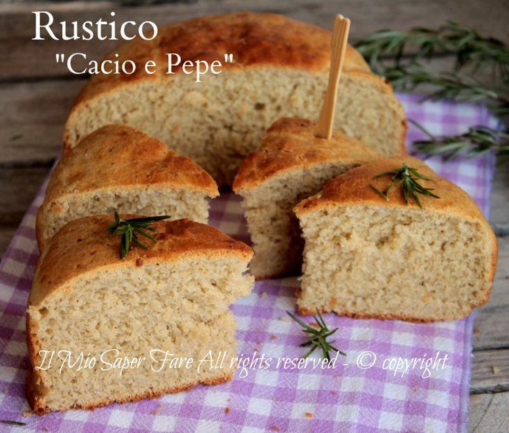 Pane cacio e pepe soffice e gustoso. All'impasto va aggiunto il pecorino grattugiato e tanto pepe proprio come nella ricetta romana della pasta cacio e pepe