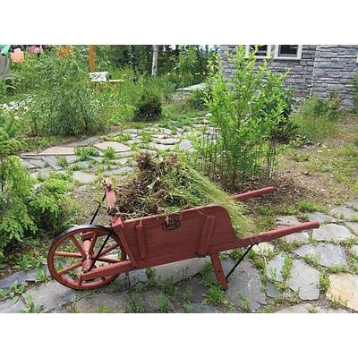 Amish-Made Wheelbarrows work as well or better than today's wheelbarrows. Based on a 19th-century design, these rock-steady workhorses are reproductions of an old German version with evenly spaced slats.  Handmade the traditional way by Amish craftsmen.