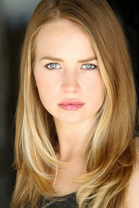Britt Robertson - Under the Dome, The Secret Circle, Scream 4, Life Unexpected ...