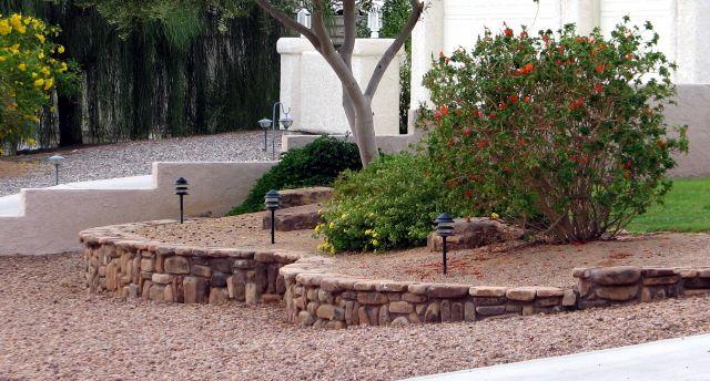 desert landscaping front yard