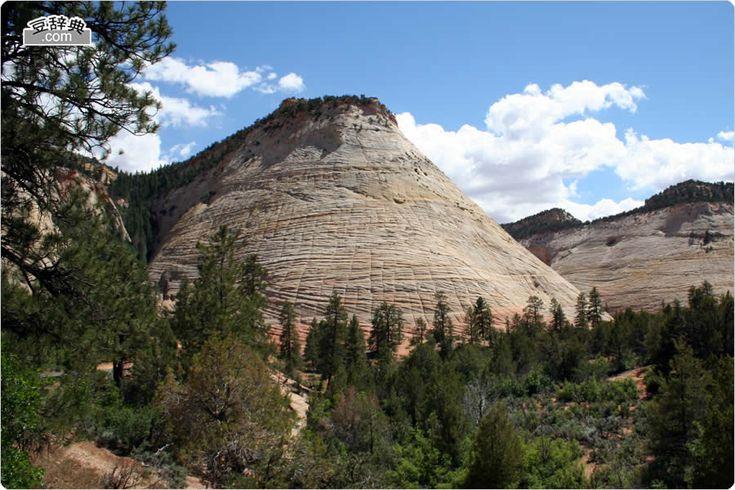 チェッカーボード・メサ - Checkerboard Mesa (ザイオン国立公園)