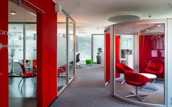 Plantronics: un modo tutto nuovo non solo di lavorare ma anche di concepire gli spazi lavorativi. http://www.stilefemminile.it/plantronics-parola-dordine-smarten-working/