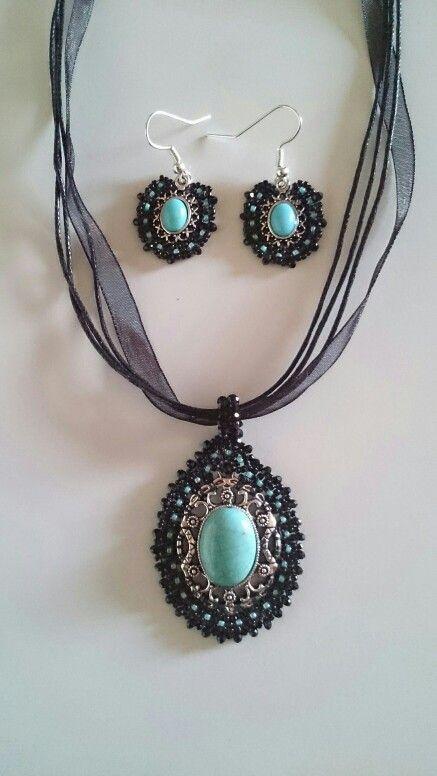 Pendant and earrings with toho beads