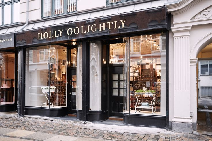 Holly Golightly // Store Regnegade
