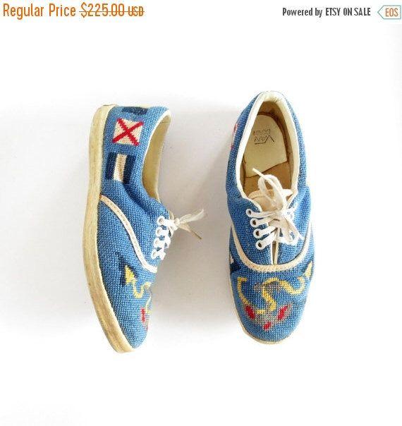 20 % Rabatt Vintage Vans Sneakers / 1960er Jahren Van Doren Tennisschuhe / nautische Needlepoint Schuhe / Größe 7 1/2 von SmallEarthVintage auf Etsy https://www.etsy.com/de/listing/187819890/20-rabatt-vintage-vans-sneakers-1960er