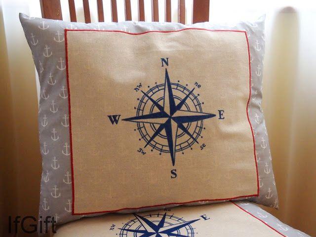 Marynistyczna poduszka w kotwice. Ręcznie rysowana róża wiatrów. http://ifgift.blogspot.com/
