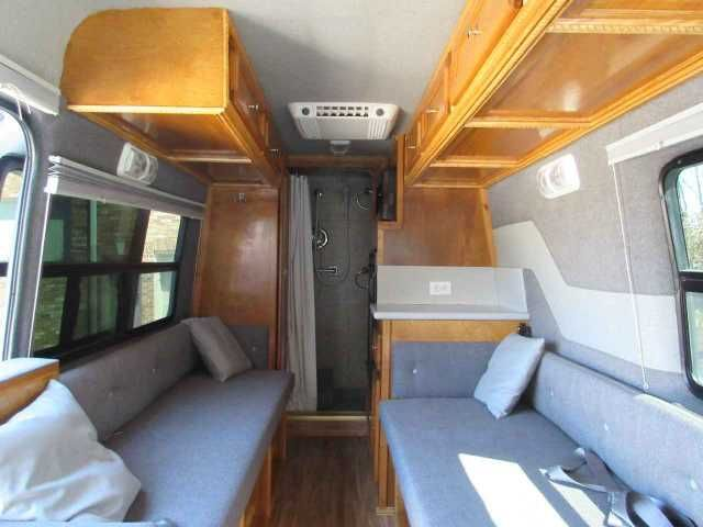 2003 Used Dodge Sprinter Van Class B in Tennessee TN.Recreational Vehicle, rv, 2003 Dodge Sprinter Van , This custom RV is a one of a kind, one owner, and has many amenities. This is a Class B RV with few miles. If you are planning to travel long distances or just going to a camp ground in the area this is the RV for you, because it gets GREAT gas mileage. Duel captain chairs in the front with seating for six passengers in the back for a total of eight. Sleeps two comfortably. Amenities…