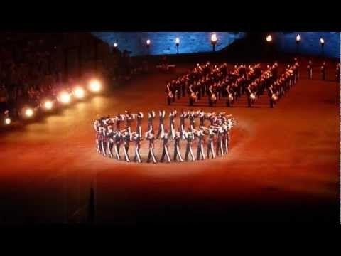 Kings Guard of Norway - Royal Edinburgh Military Tattoo - YouTube