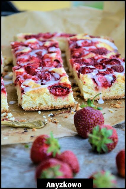 Anyżkowo: French style coffee cake with strawberries