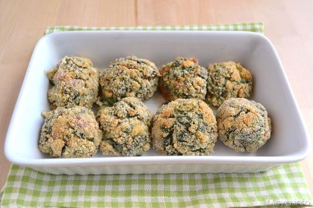 Polpette con spinaci e besciamella, scopri la ricetta: http://www.misya.info/2014/04/24/polpette-con-spinaci-e-besciamella.htm