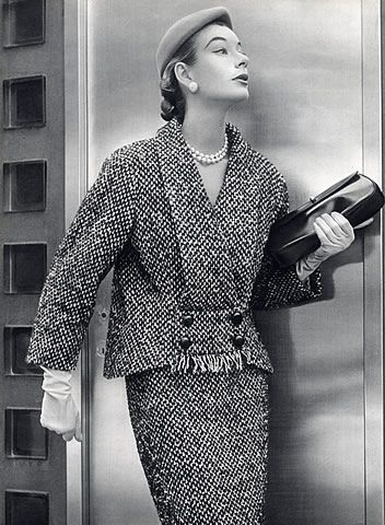 Cristóbal Balenciaga 1952 Winter Suit, Photo Pottier