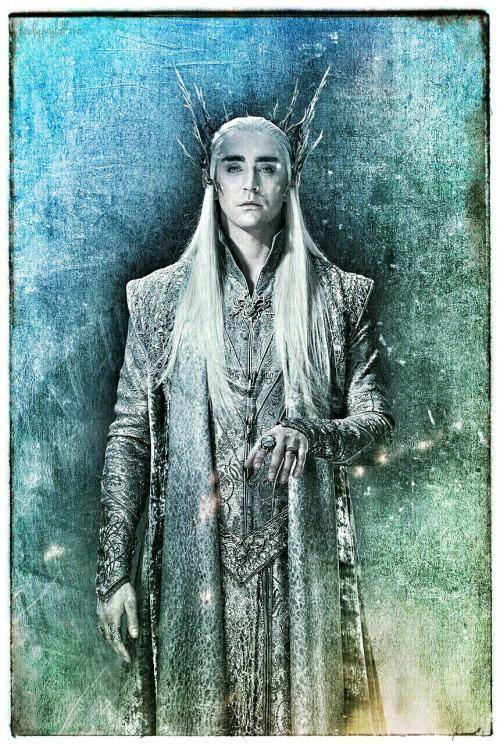 ハ on Twitter | The hobbit thranduil, Legolas and thranduil ...
