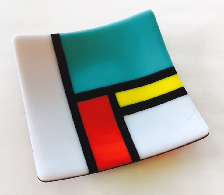 Color Block Small Fused Glass Tray by GlassAffairs on Etsy https://www.etsy.com/uk/listing/397877435/color-block-small-fused-glass-tray