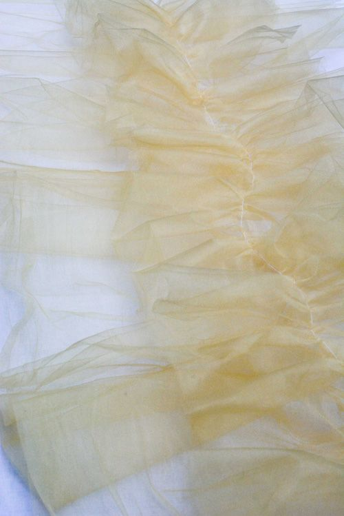 DIY Ruffled Tulle Table Runners.  Leah, Could make any color you want. Bev