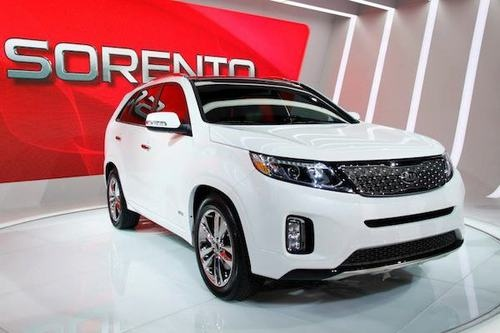 Boom! We revealed the upgraded Sorento at the LA Auto Show! What do you think? http://bit.ly/KIAtestdrive