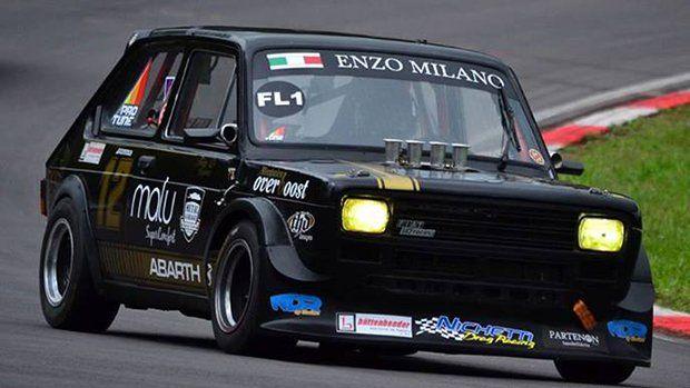 Encontramos este Fiat 147 campeão da Copa Classic RS à venda, e ele pode ser seu primeiro carro de corrida. Veja no FlatOut!