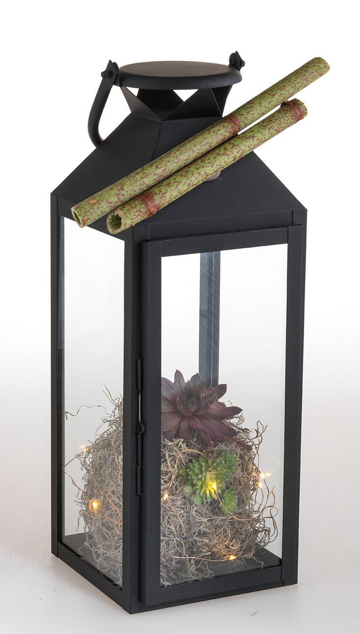 mit bambus wird eine schlichte laterne aus metall zur festlichen weihnachtsdeko. Black Bedroom Furniture Sets. Home Design Ideas