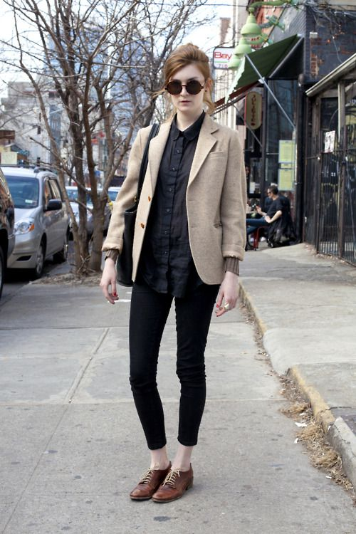 brown oxfords, black skinny ankle pants, navy(?) button-up, blazer