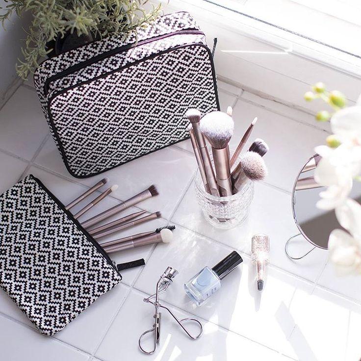 #Cailap #beauty #makeup #makeupbag #meikki #meikkipussi #meikkilaukku #cosmetics #accessories
