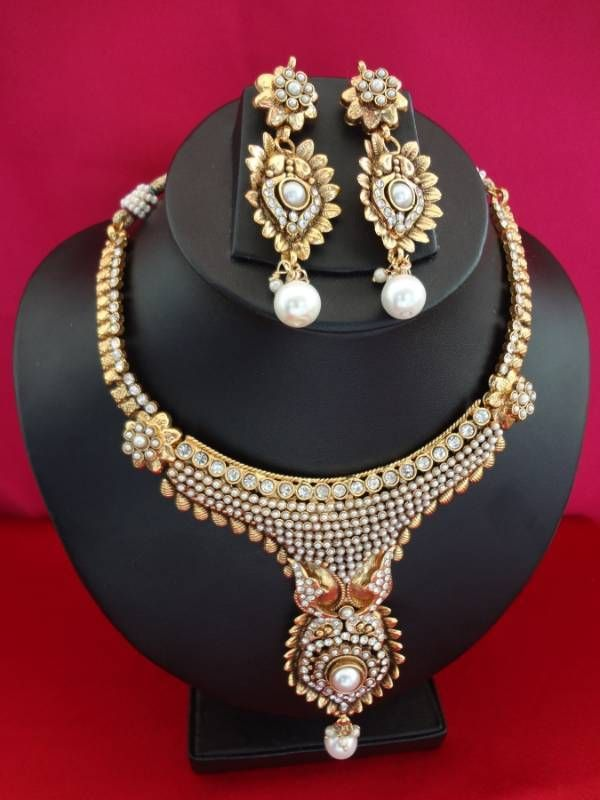www.DanceCostumesAndJewelry.com - Antique designer necklace with faux pearls and crystals, $ 52.50 (http://www.dancecostumesandjewelry.com/antique-designer-necklace-with-faux-pearls-and-crystals/)