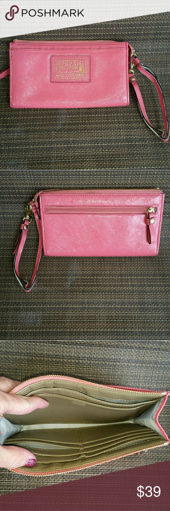 AUTHENTIC COACH POPPY This is a  authentic.coach poppy large wristlet wallet the strap is damage but the wallet itself n excellent conditon 9x7 smoke free home no trades price is firm. Coach Poppy Bags Wallets
