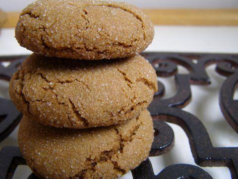 Like Starbucks molasses cookies   wet, dry, fridge, 350. 10 - 15 min    3/4 c. butter or margarine  1 c. brown sugar  1 egg  1/3 c. blackstrap molasses (or 1/2 c. plain molasses)  2 1/2 c. flour (You can use any combination white/whole wheat flour)  2 t. baking soda  1 t. cinnamon  1/2 t. salt  1/2 t. nutmeg  1/2 t. ginger  For rolling dough – 1/2 c. white sugar
