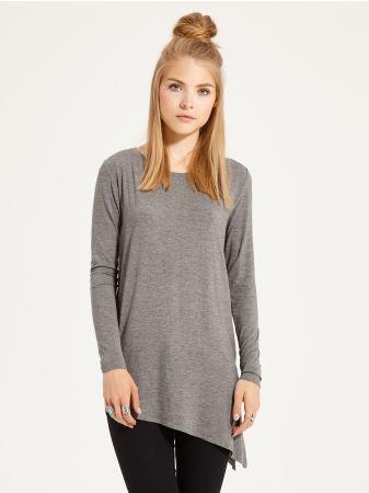 SINSAY - Asymetryczna bluzka oversize <br><br>Wzrost modelki: 176 cm<br>Modelka ze zdjęcia ma na sobie rozmiar S