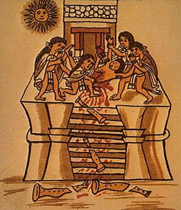 Aztec human sacrifice - to the sun god - in 1487 it is ...