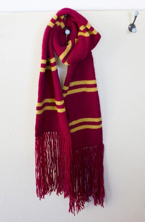 Best 25+ Harry potter gryffindor scarf ideas on Pinterest Harry potter card...