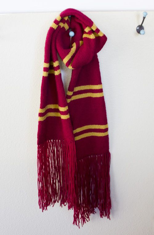 Gryffindor scarf. Seriously. I will wear it every day. I want!!!