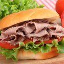 Sanduíche de carpaccio ou rosbife