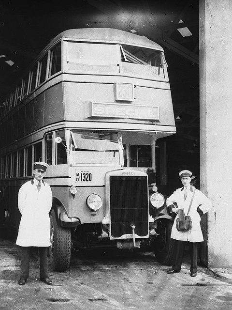 An early Leyland double-deck omnibus - MO 1320. Find more detailed information about this photographic collection: http://acms.sl.nsw.gov.au/item/itemDetailPaged.aspx?itemID=42972 From the collection of the State Library of New South Wales: http://www.sl.nsw.gov.au/