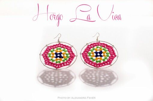 I crocheted this earring.If you like it you can find me on facebook. www.facebook.com/horgolavica