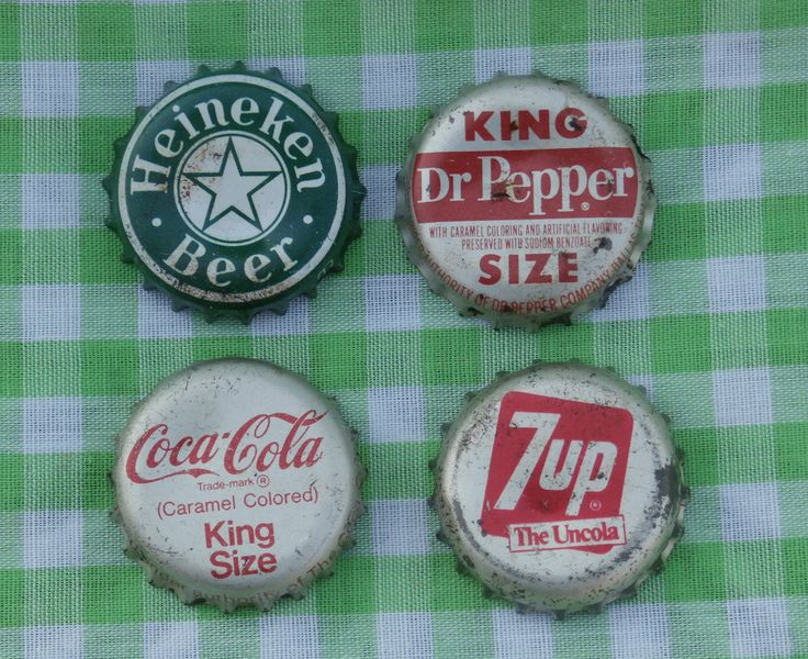 4 Different Old Bottle Caps, Heineken, Coca Cola, 7Up, Dr Pepper King Bottle Cap Lot, Vintage for Crafts or Collecting