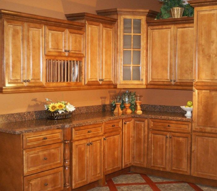Kitchen Backsplash Kijiji: 1000+ Ideas About Maple Kitchen Cabinets On Pinterest