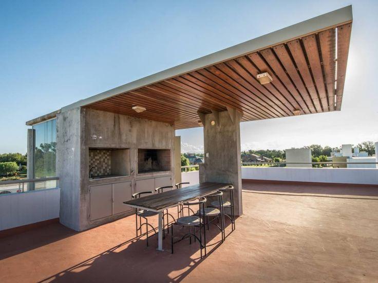 Ideas para terrazas con estilo innovador: Primero, la onmipresente parrilla. Visitá homify Argentina y descubrí más ideas.  www.homify.com.ar/espacios/balcones-y-terrazas