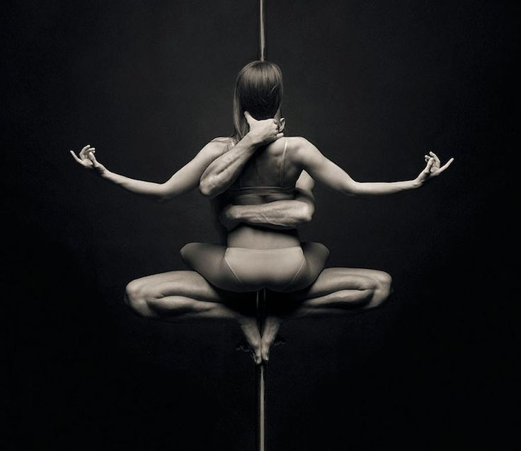 Based in St. Petersburg, artist Vadim Stein boasts an extensive and eclectic background. Though he currently identifies as a photographer, videographer, sc