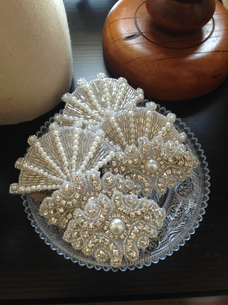 Stunning hair slides. ready to add the 1920s glam to any hairstyle.  More Hair accessories at www.safade.com