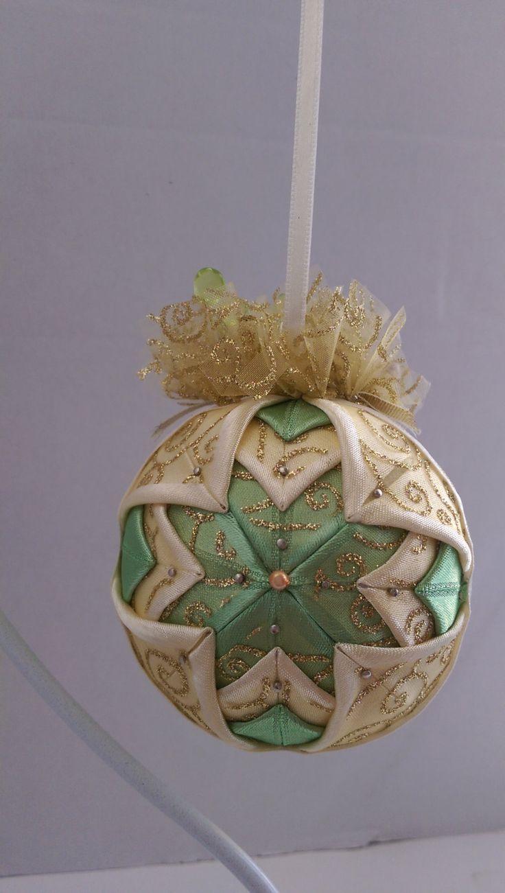 Folded fabric christmas tree - Vintage Christmas Quilted Ornament Victorian Folded Fabric Christmas Ornament Quilted No Sew Fabric Christmas Ornament Ball
