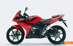 Honda CBR 125 Cool Stuff
