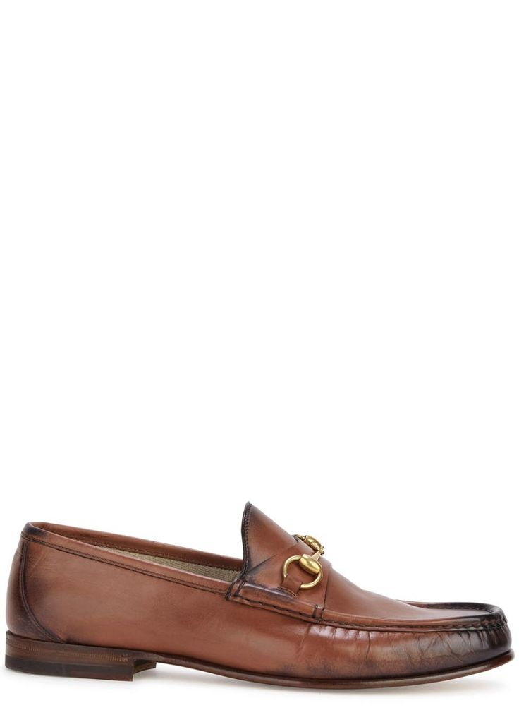 Gucci brown leather loafers Gold tone horsebit detail, burnished finish, almond toe Slip on Come with a dust bag