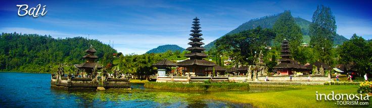 Bedugul - Ulu Danu Temple, Bali INDONESIA