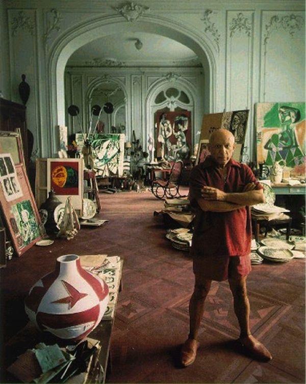 芸術家のアトリエ。パブロ・ピカソのアトリエ。あの名作はこの部屋で生まれた