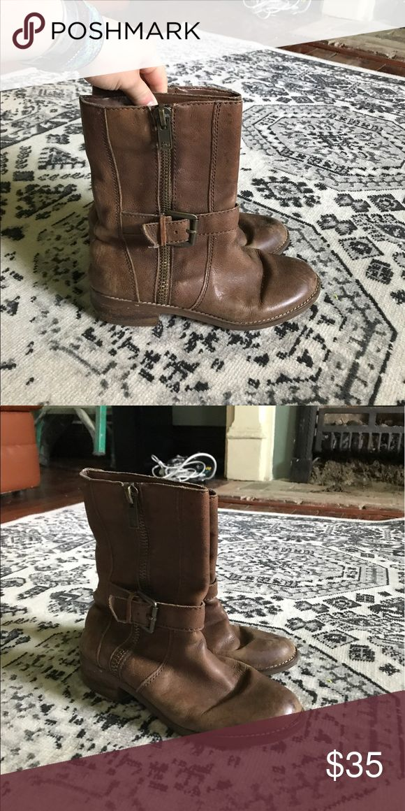 Seychelles Boots Brown boots, barely worn, distressed look. Size 6.5! Seychelles Shoes Ankle Boots & Booties