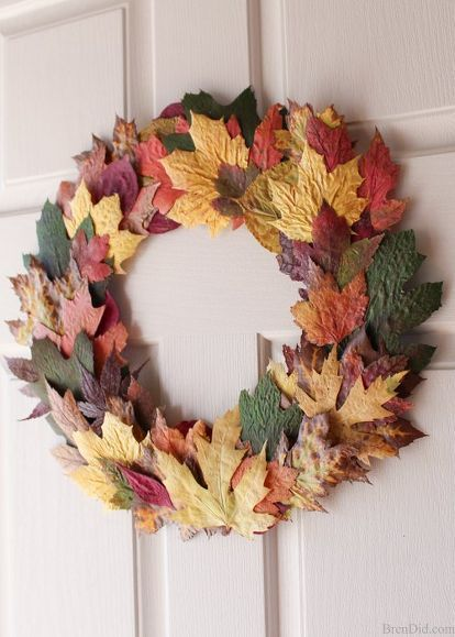 cheap easy diy fall leaves wreath made from real leaves for 0 , crafts, diy, halloween decorations, seasonal holiday decor, thanksgiving decorations, wreaths