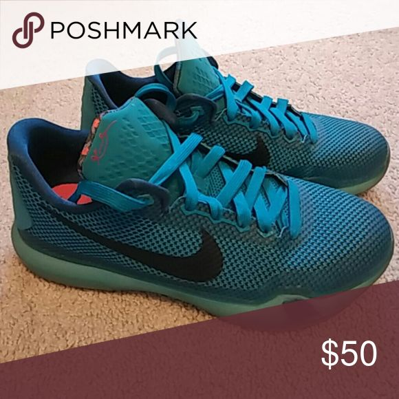 Nike Kobe Sneakers👟🏀👲 Slighty used Nike Shoes Sneakers